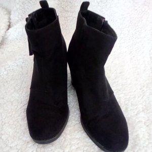 Old Navy Women's Black Suede type Booties, Size 8
